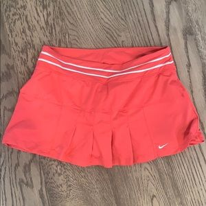 Nike tennis skirt size medium